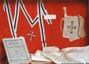 Scapular and Dominican tertiary booklet of Luisa